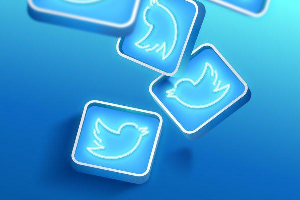 Twitter lancia spaces per le live audio chat