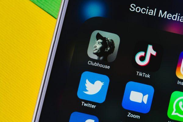 Clubhouse: problemi e opportunità del social del momento